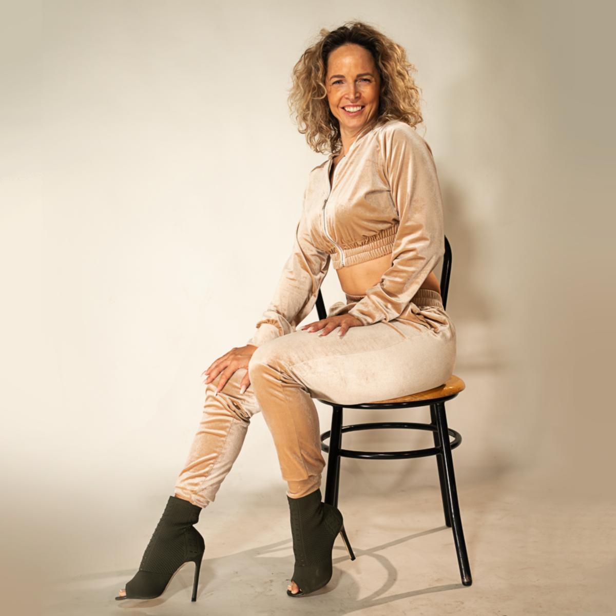 Tamara-Kramer-Beige-set01-1.png