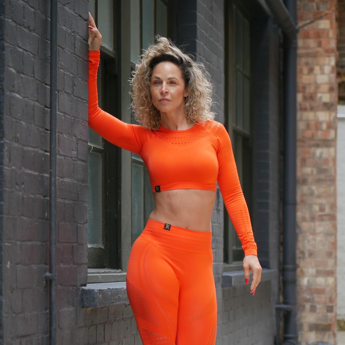 Tamara-Kramer-Orange-set03.png