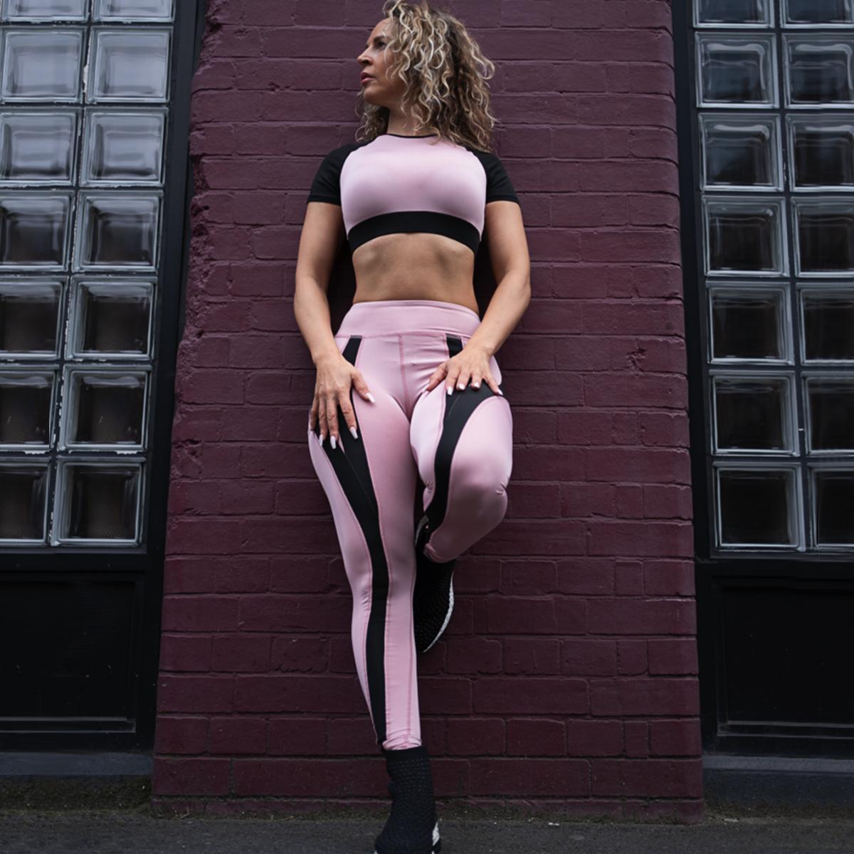 Tamara-Kramer-Pink-set01-1.png