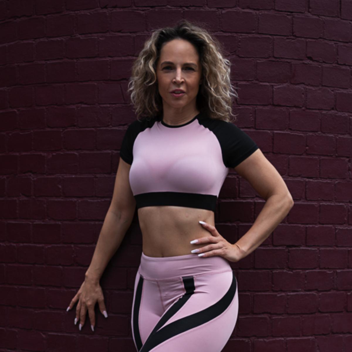 Tamara-Kramer-Pink-set03-1.png